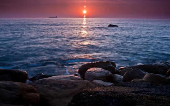 море, корабли, камни
