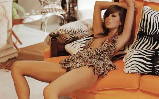 петра, nemcova, стуле, тигровом, платье,