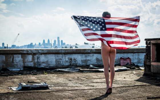 американская патриотка голая за флагом