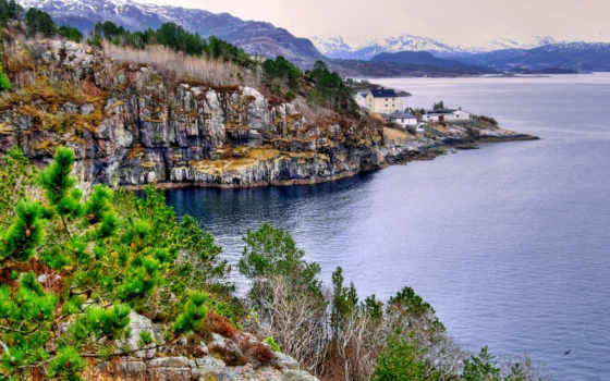 ,скалы,дома,озеро, горы,