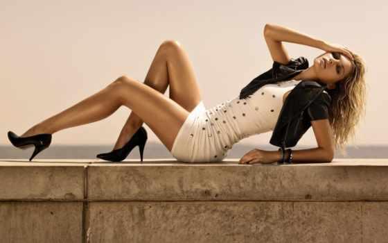 hart, джессика, модель, мини, волосы, ноги, платье, длинные, сидящий, туфли, каблуках,