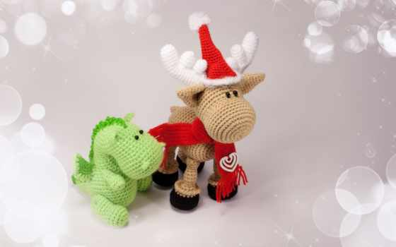 игрушки, сувениры, олень, дракончик, праздник, шарфик, шапка, год, новый, картинка, картинку,