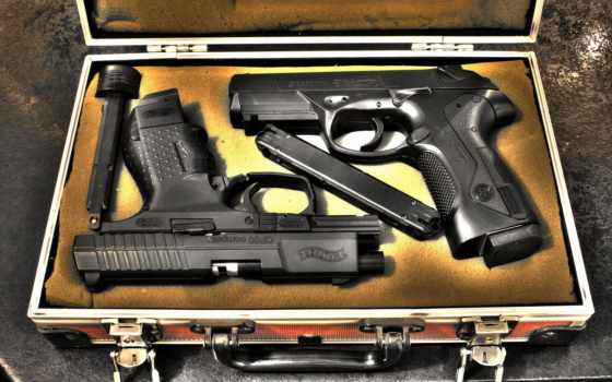 беретта, пистолет, чемодан