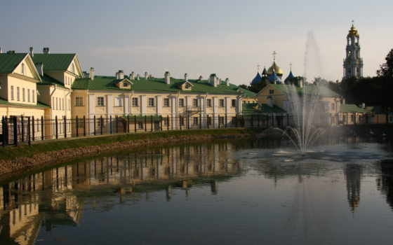 дома, fountain, water, отражение, church, город, решетка,