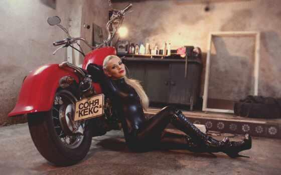 мотоцикл, девушка, латекс, blonde, sit, фраза, гараж