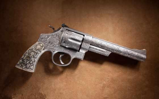 гравировка, револьвер