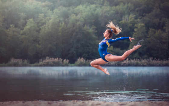 гимнастка, прыжок, grace