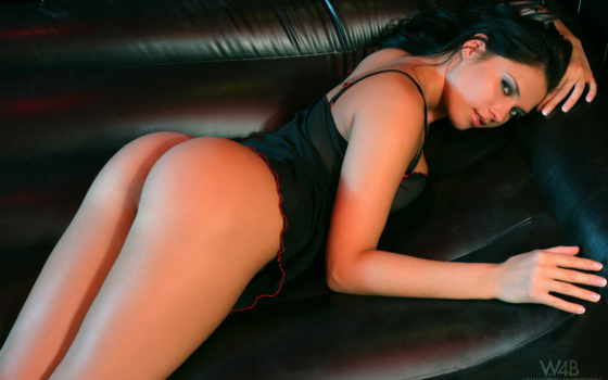 , диван, девушка, черное белье, секси, шатенка,