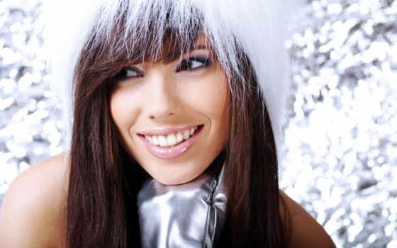 winter, девушка, волосы, мех, шапка, снегу, brunette, холод, white, снег, улыбка,