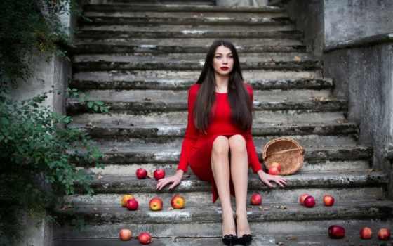 красном, девушка, платье, корзина, сидит, stoner, inese, яблоки, ступеньках, макияж, лестница,