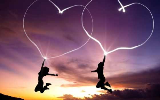 2 сердца в прыжке на закате