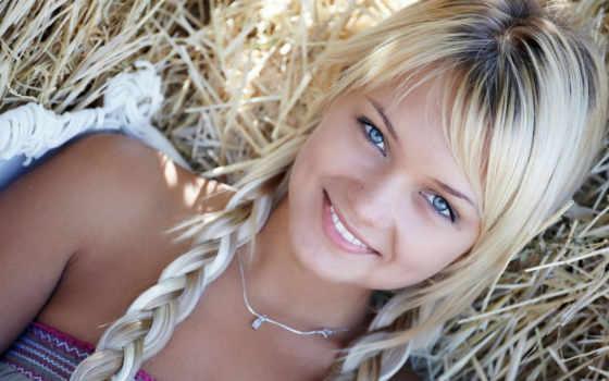 косичками, девушка, eyes, blue, blondes, косички, девушки, lada, smiling, grass, smile, girls, заставки, necklaces, mavi, blonde, pigtails, braids,