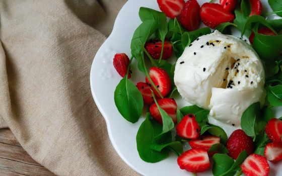 клубникой, салат, моцареллой