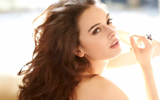evelyn, sharma, photos