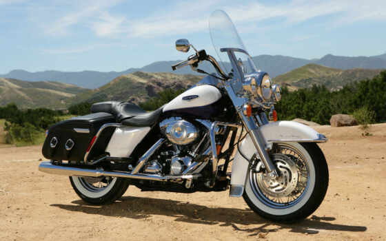 harley, davidson, king, road, classic, bikes, also,