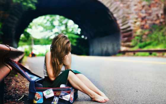 чемодан, девушка, дорога, ожидание, sit, волосы, арка,
