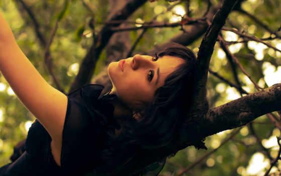 девушка, дерево, листья