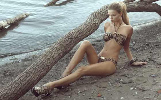 danielle, log, дерево, water, кнадсон, лес, каблуки, галька, купальник,
