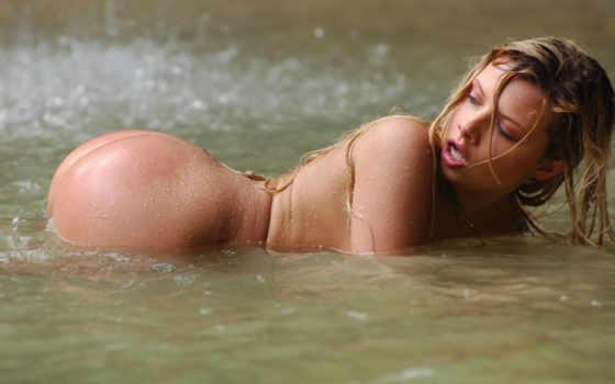 река, блондинка