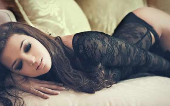 девушка в черном белье Фон № 59387 разрешение 2560x1440