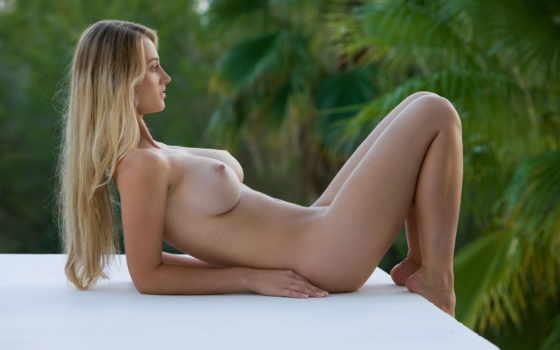carisha, эротический, красивая грудь,голая девушка, голая блондинка,