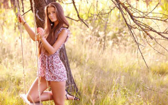 девушка, качели, платье