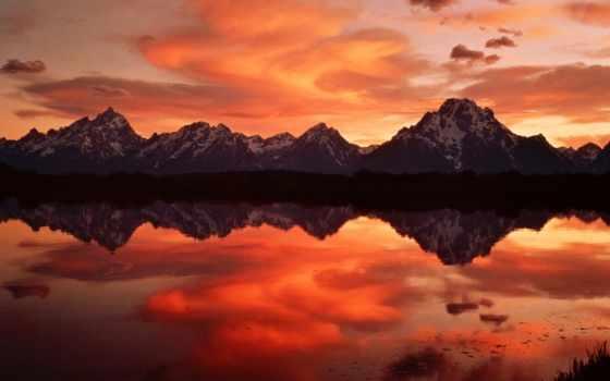 montagne, soleil, coucher