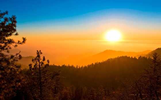 sun, лес, небо, trees, горы, закат, oblaka, картинка, дымка, свечение,
