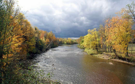 тучи река осень