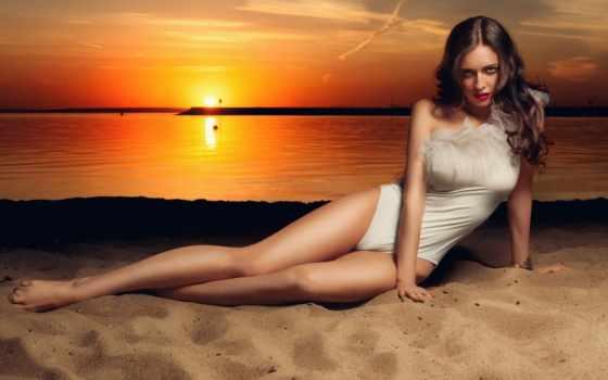 девушка на песке Фон № 127784 разрешение 1920x1080