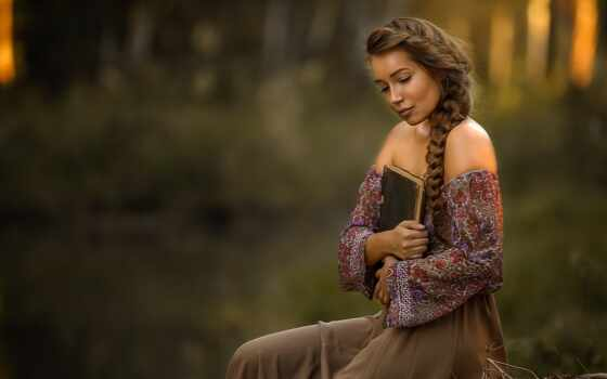 девушка, поза, книга, женщина, косичка, смотреть, волосы, настроение, модель, плечо