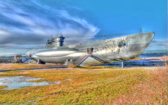 подводная лодка на ремонте