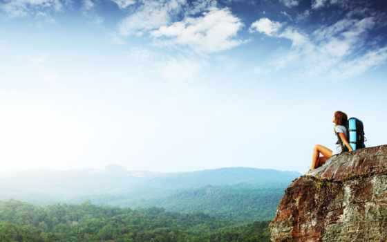 девушка, небо, гора, горы, вершина, лес, облака, даль, рюкзак, путешествие, highness, cliff, утес, journey, природа, картинка,