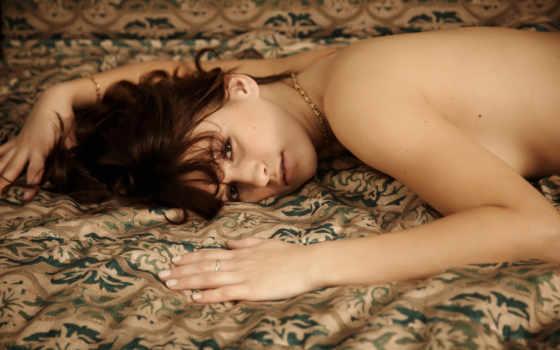 девушка, лежит, кровать