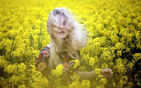 девушка, стоит, цветов