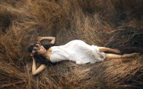 девушка, траве, лежит, теги, телефон, devushki, favourite,