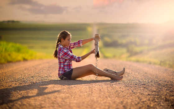 девушка, дорога, боке, раздолье, сапоги, песок,