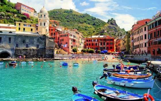 vernazza, город, море, bay, italian, вернацца, pinterest, architecture, италии, cathedral, лодки,