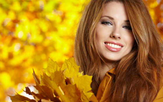 девушка, улыбка, шатенка, листья, смотреть, осень,