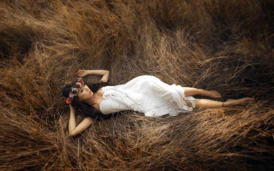 девушка, траве, лежит, dry, devushki, венками, card, love, новости,