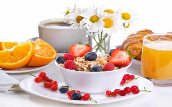 zavtrak, eда, ромашка, кофе, kruassana, yagoda, raznyi, sokół, цветок, постель, frukt