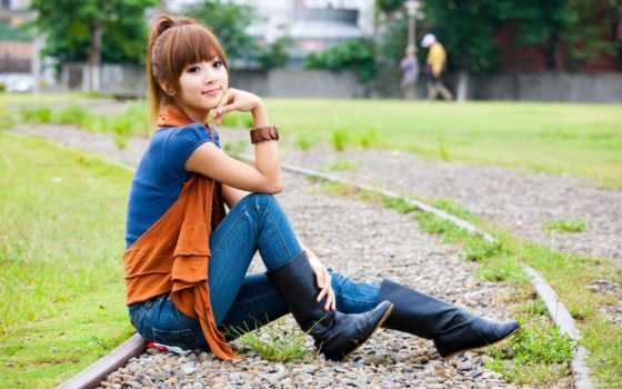 девушка, сидит, джинсы, devushki, asian, азиатская, японская, модель, трамвайном, пути,