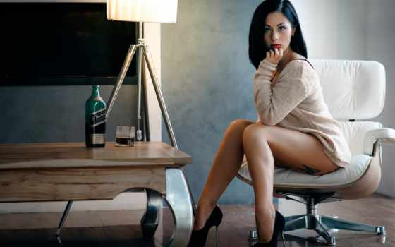 девушек, ножки, devushki, whiskey, тату, бутылка, glass, красивые, комната, nokia, девушка,