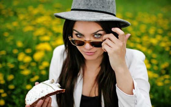 очки, шляпа, девушка, бутерброд, взгляд,