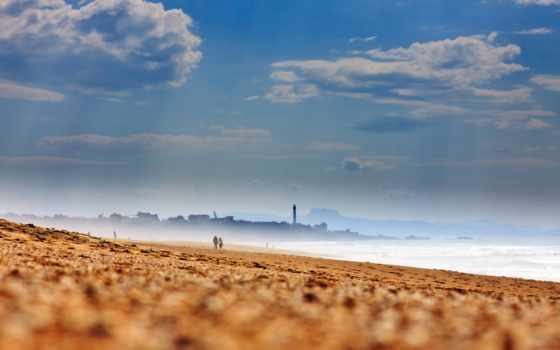 море, пляж, песок, берег, oblaka, небо, summer, дымка, горизонт, waves, lighthouse,