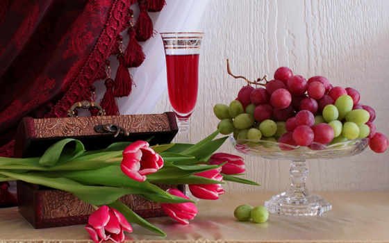 eда, бокал, тюльпаны