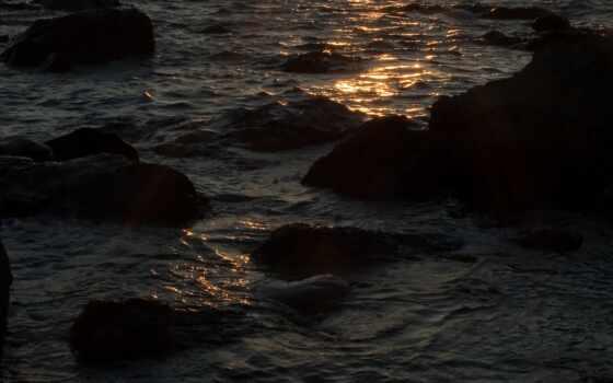волны скалы