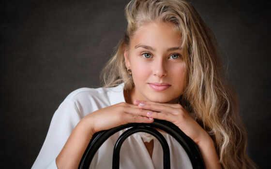 девушка, рука, portrait, глаза, long, смотреть, волосы, blonde, взгляд