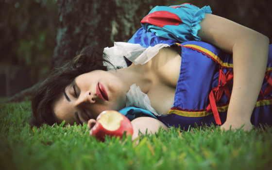 белоснежка, cosplay, снег, white, траве, лежит, сказки,