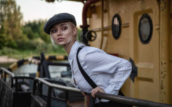 поза, девушка, взгляд, винтовка, рубашка, шапка, смотреть, assault